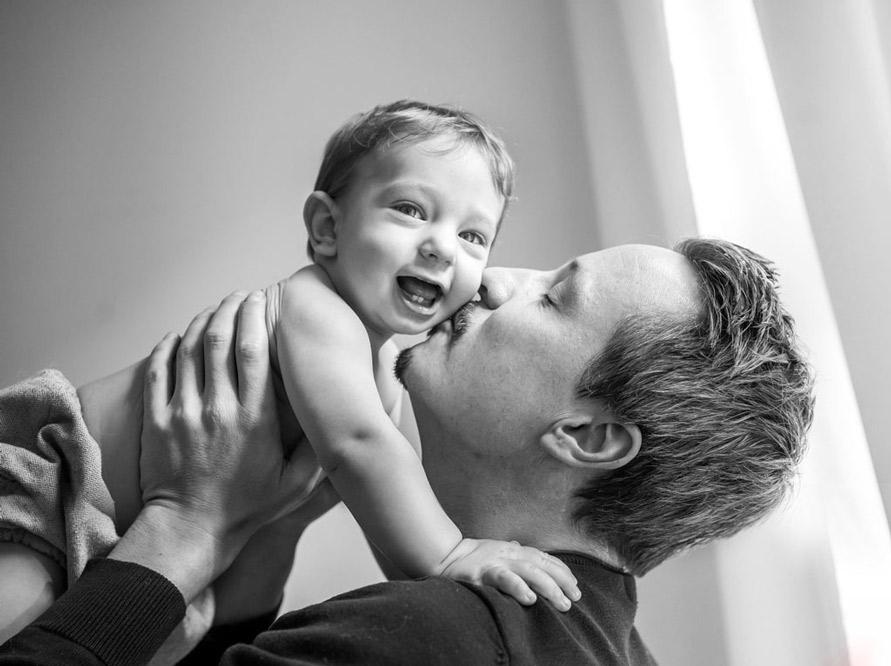 Babyfotografie Berlin, Vater mit Baby