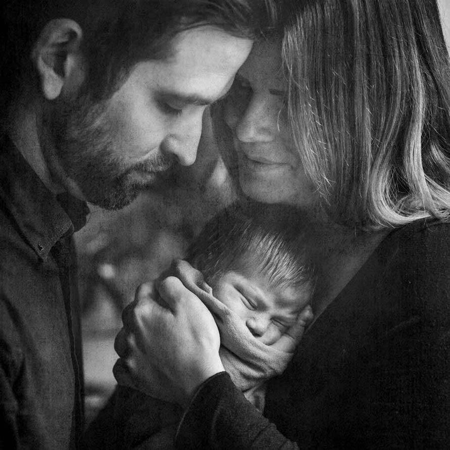 Künstlerische Neugeborenenfotografie Berlin
